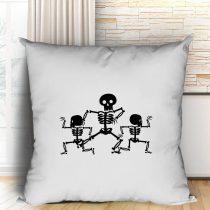 Three skeletons párna
