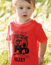 Gyerek póló traktorosoknak - Egy igazi traktoros MTZ-t vezet